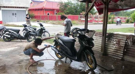 bengkel motor