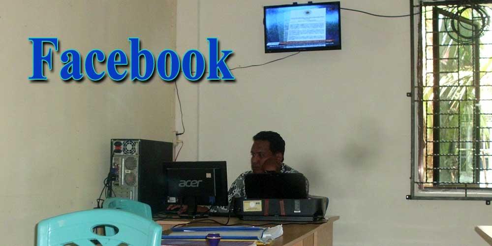 pekerja kantor